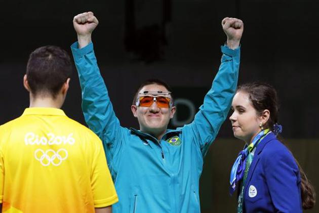 """Missão cumprida"", diz Felipe Wu ao faturar a prata na Rio-16"