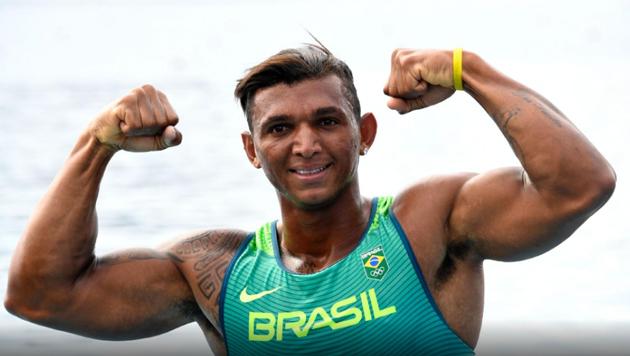 Baiano Isaquias Queiroz fica em 2º e segue para semifinal