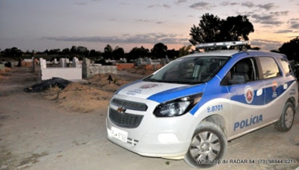 Mãe é assassinada em cemitério após enterro do filho em Eunápolis