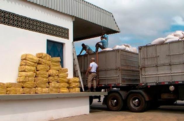 Conquista: Polícia encontra quase 6 toneladas de maconha em carga de ração de milho