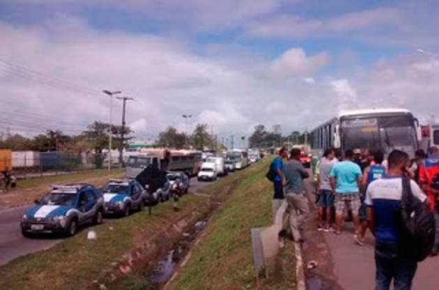 Policiais são mortos em tentativa de assalto