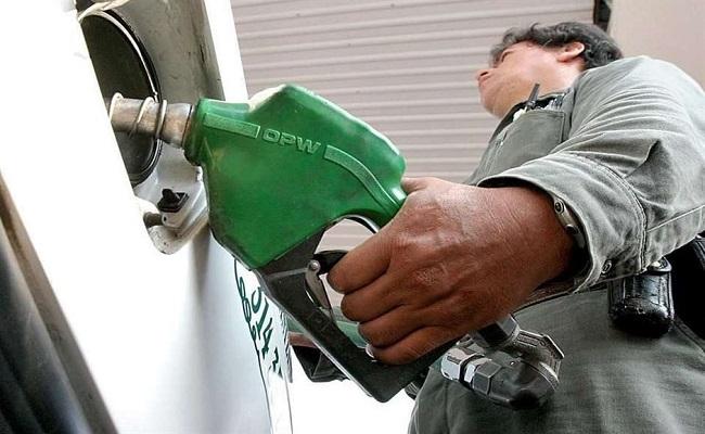Petrobras deve anunciar ainda neste ano redução no preço da gasolina