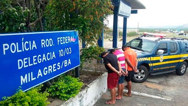 PRF prende em Milagres grupo que praticava assaltos contra caminhoneiros