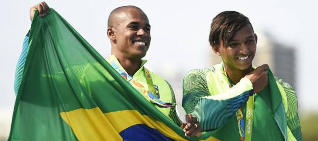 Governador recebe os medalhistas olímpicos Isaquias Queiroz e Erlon Silva