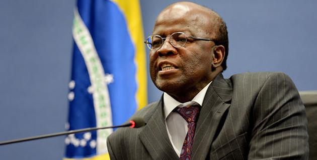 Joaquim Barbosa chama impeachment de 'tabajara' e critica Temer