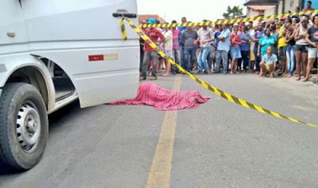 Mototaxista mata amigo na frente da mãe em Feira de Santana