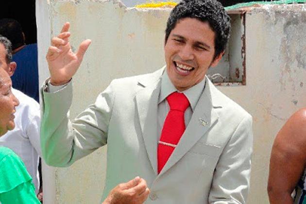 Jitaúna: Justiça Federal aplica multa de R$ 106 mil e bloqueia bens do prefeito Edson