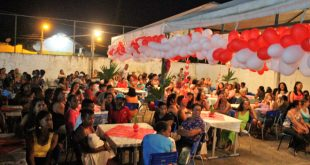 Itacaré: Colégio de Taboquinhas realiza festa em homenagens no Dia das Mães