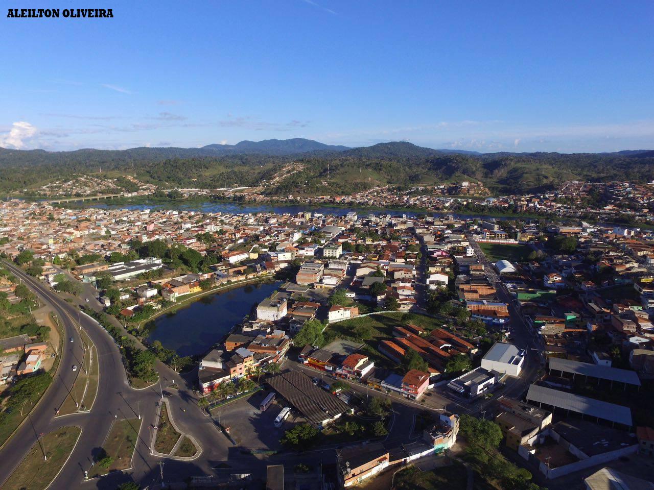 Resultado de imagem para Estádio Felipe Miranda em Ubaitaba