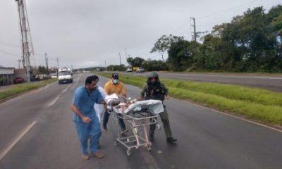 Criança de 5 anos é baleada é transferida de helicóptero para hospital de Salvador