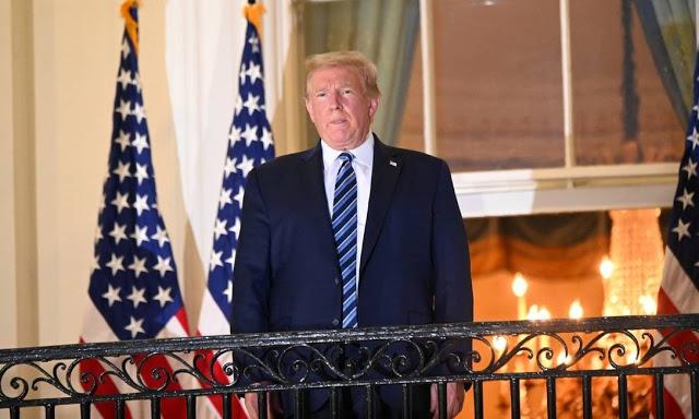 Ainda infectado, Trump deixa hospital e vai para a Casa Branca
