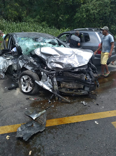 Grave acidente na BR-101, entre Itabuna e Itajuípe, deixa uma pessoa morta e pelo menos três feridos
